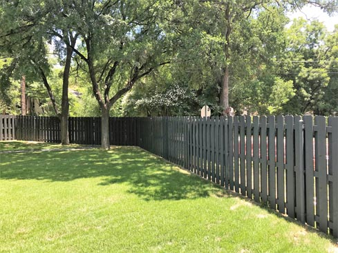 6ft-painted-cedar-shadow-board-fence-with-3-rails-and-galvanized-steel-postInside-view