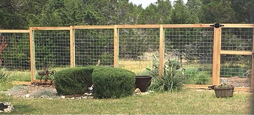 cattle-panel-hog-panel-fence-with-gate